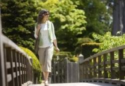 Пешие прогулки уменьшают вероятность рака груди