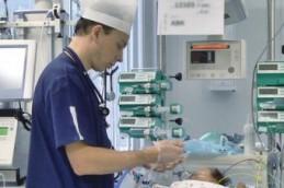 Новосибирские онкологи впервые прооперировали 5-месячного малыша