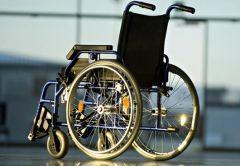 Инвалидным креслом можно управлять с помощью языка