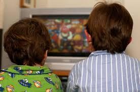 Просмотр телевизора лишает детей полноценного сна