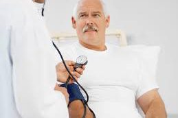 Зависит ли уровень смертности от рака простаты от стадии заболевания?