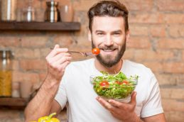 Вегетарианская диета может защитить от рака, болезней сердца и диабета
