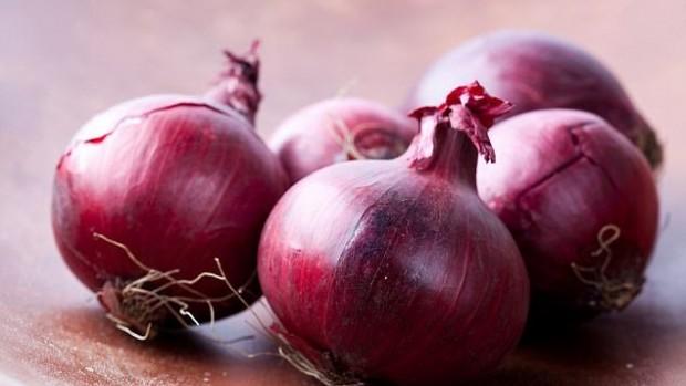 Красный лук может помочь в борьбе с раком