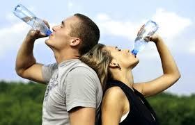 Обливание холодной водой — польза и вред методики оздоровления