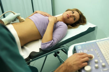 Железисто-фиброзный полип эндометрия: симптомы, лечение, осложнения