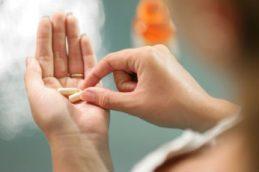 Таблетки, вызывающие месячные: как принимать, последствия