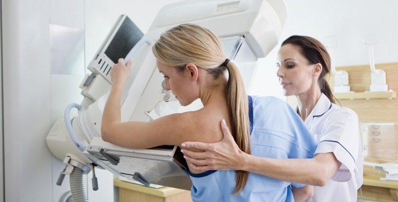 Ученые выяснили, что женщины с типом фигуры «яблоко» чаще заболевают раком груди, чем «груши»