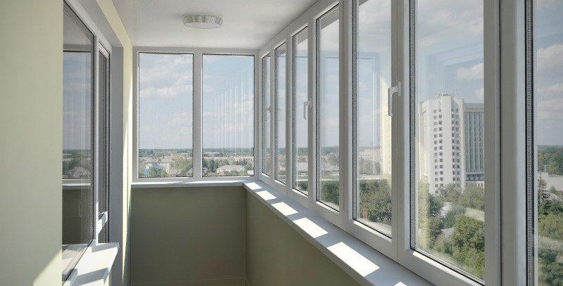 Остекление балкона: особенности и способы