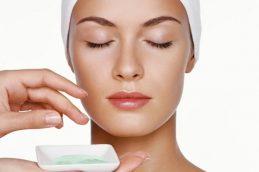 Воздействие на кожу лица эфирных масел лаванды и иланг-иланг