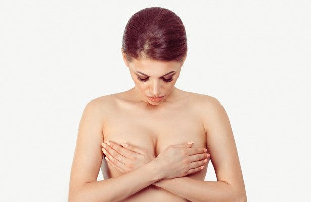 Уплотнение в груди: виды, причины появления и лечение