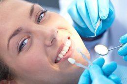 Протезирование зубов. Какая процедура имплантации подходит именно вам?