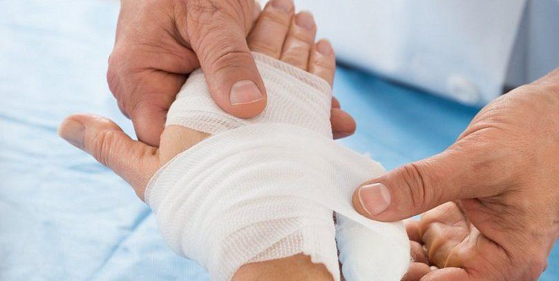 Ученые: родные руки — новое средство от боли