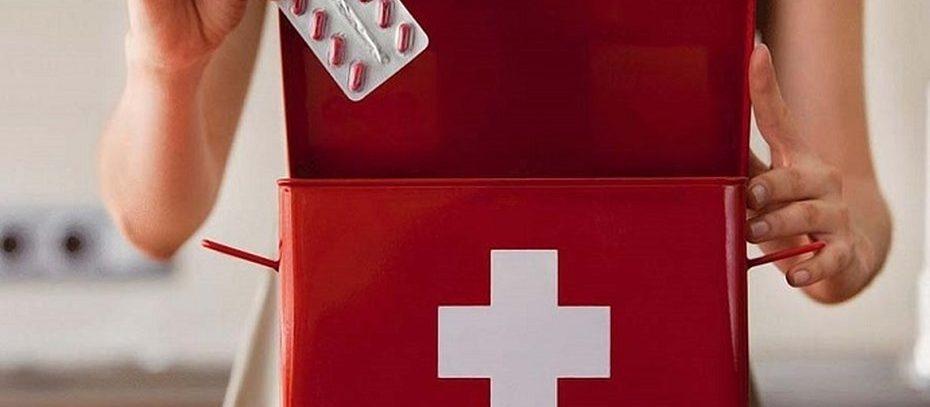 Лекарства, которые помогут собрать универсальную домашнюю аптечку