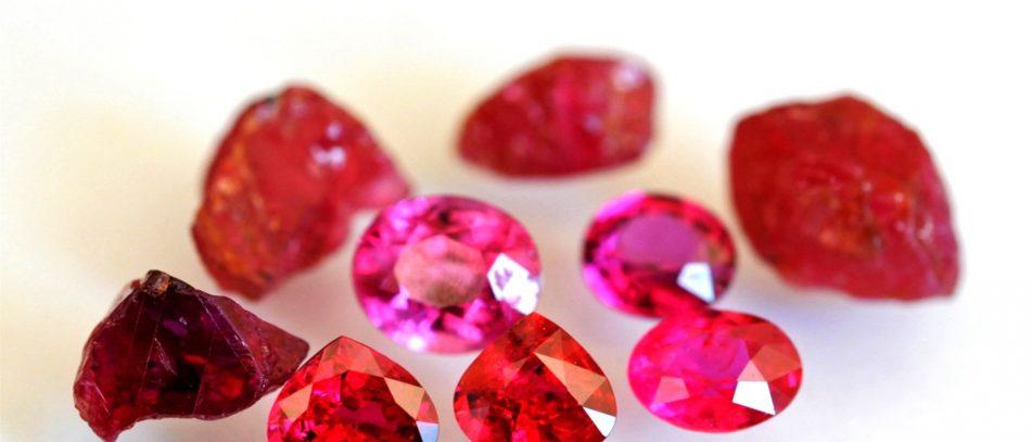 Лечебные свойства камней: гранат, аметист, рубин