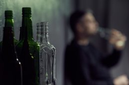 Алкоголизм: причина появления и решение проблемы