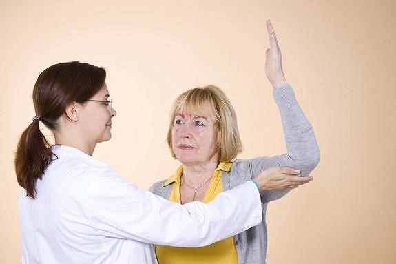 Врачи назвали ранние симптомы рака мозга