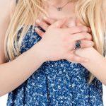 Почему перед месячными болят молочные железы