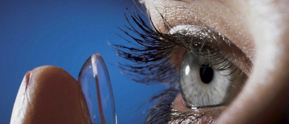 Как носить контактные линзы