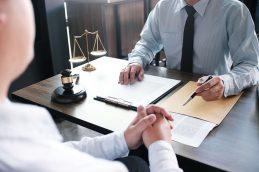 Помощь юриста: почему она нужна?
