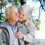 Не только кроссворды: какие хобби помогают от деменции