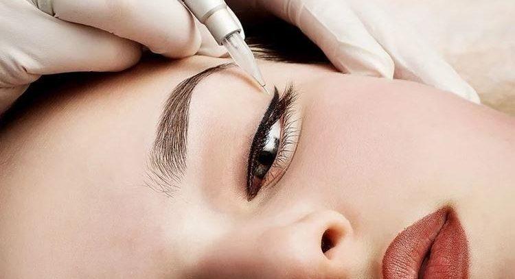 Особенности проведения перманентного макияжа