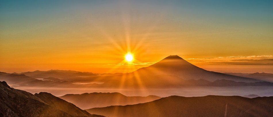 Почему солнце провоцирует рак и как защитить себя