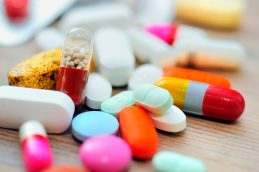 12 болезней, которые не поддаются лечению препаратами