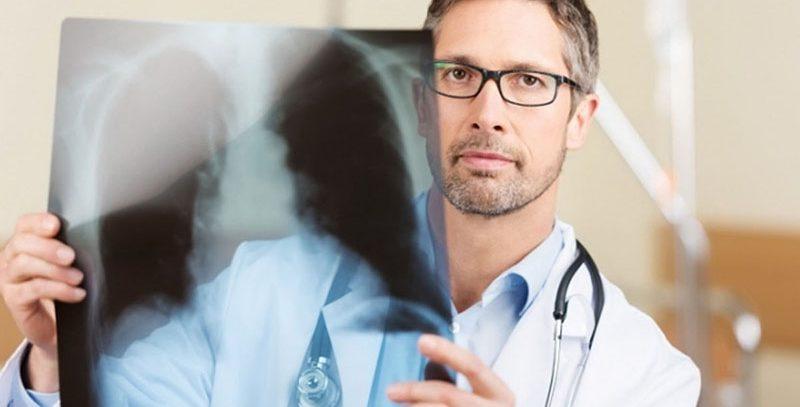 Онкологи рассказали, с какого возраста нужно проверяться на рак